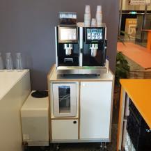 Flexcafé - Eversys Pro E4m espresso machine op meubel - De Doelen